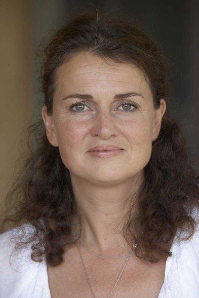 Durga Holzhauser